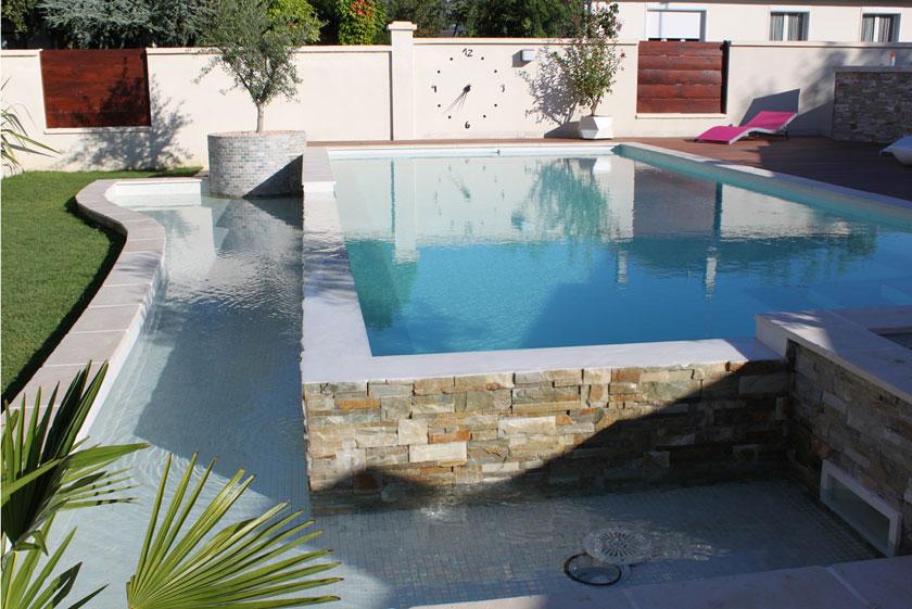 Projet de piscine à débordement dans l'Indre